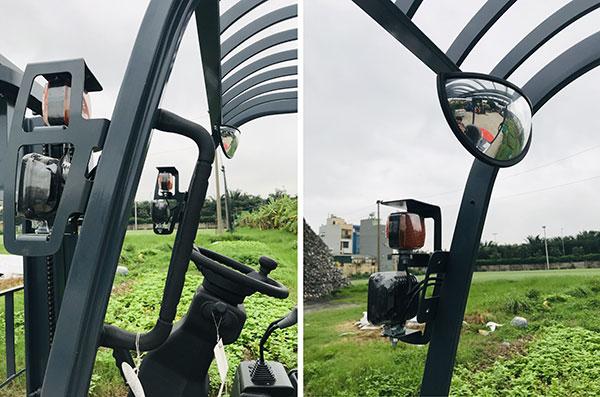 Gương và Đèn Trên Xe Nâng Điện 2 Tấn